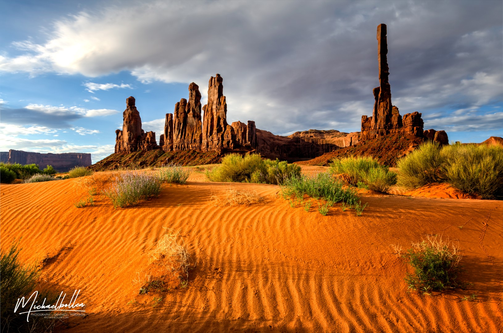 monument_valley_totem_poles